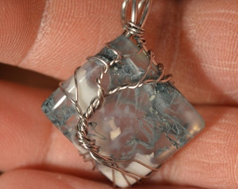 Tree of life pendant in stainless steel and original form Moss agate