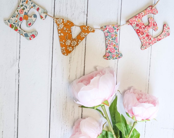 Bunting Style Wooden Letters in a Liberty of London fabric of your choice. Baby name, nursery letter