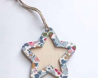Liberty Hanging Star Frame