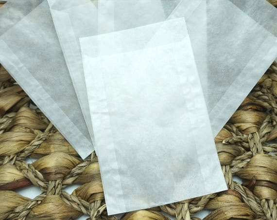 Set of 10, 25 or 50 Glassine Envelopes in a choice of 2 sizes Perfect for DIY Wedding Confetti Envelopes or Favors