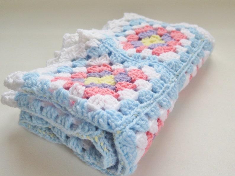 Crochet bebé manta abuela Plaza bebé afgano tejido tiro  85 x  4b954cc5398
