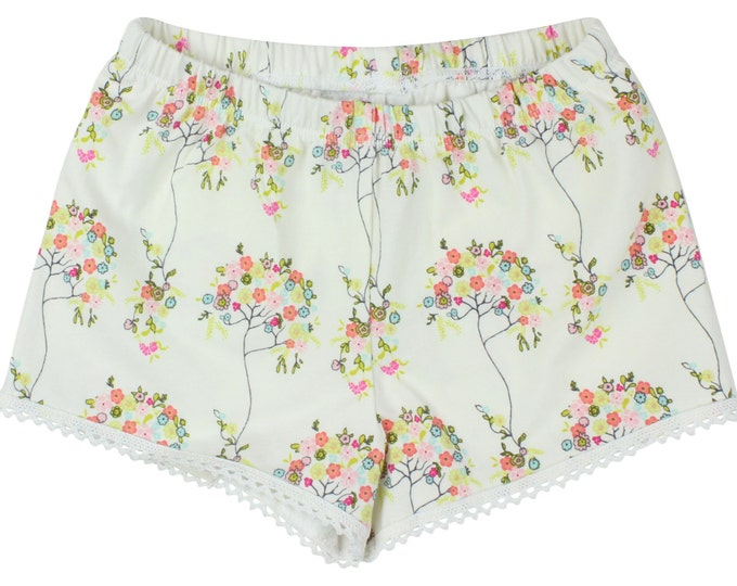 Cream Floral Baby Shorts Toddler Shorts Girl Shorts Cluny Lace Trim Shorts Girly Shorts Tree Flower Shorts Newborn Shorts Baby Girl Gift