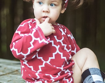 Red Baby Romper Long Sleeve Toddler Romper with Snaps Peasant Dress Outfit First Christmas Red White Romper Quatrefoil Dress