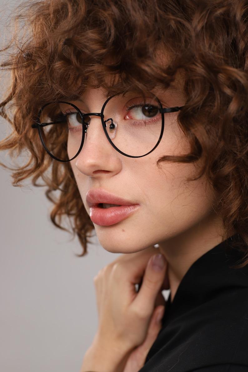 Glasses frames round women with fake or prescription lenses