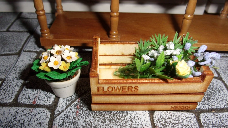 Flower Crate 1:12th Dolls House Miniature image 0