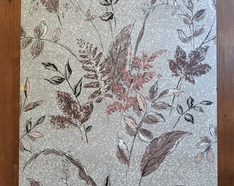 Gorgeous Mid-Century Wards Brand Grey Floral Wallpaper Roll- New Old Stock