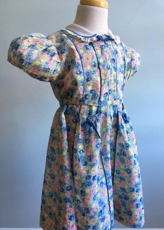 """Vintage 40's """"Betsy Billi"""" Girl's Floral Dress"""