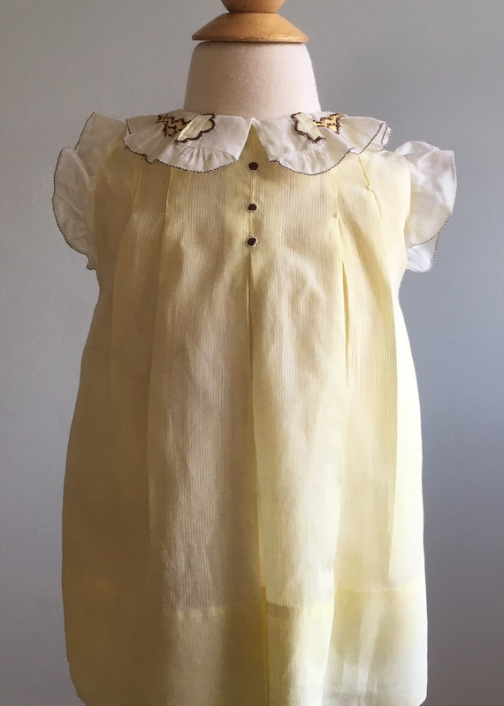 1930's Vintage Girl's Dress with Hand Smocked Coll