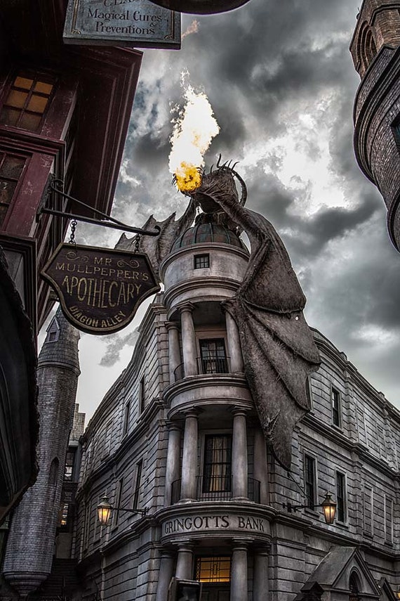 Gringott's Dragon, Orlando (Photography)