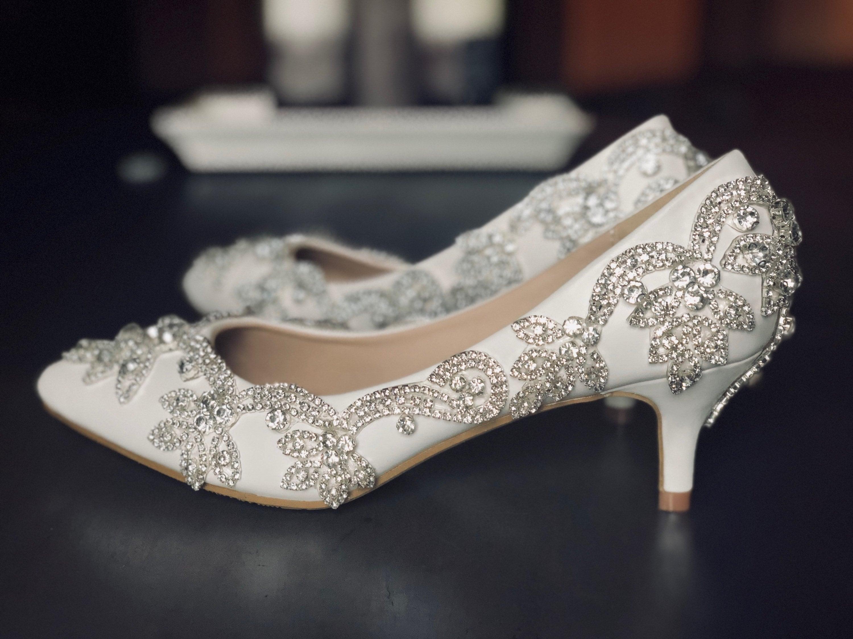 Low heel frozen shoes. Bridal Crystal design wedding shoes. Pumps. Bridal shoes. shoes. 991e8e