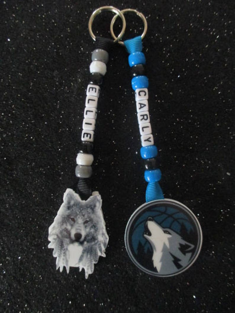 Grey Gray Howling Wolf Spirit Animal Personalized Name Bag Tag Keychain  Back to School Present Party Favor Girls Boys Mother Friend Gift