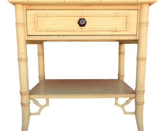 VVH Vintage Faux Bamboo Nightstand Fretwork End Table Thomasville Allegro Chinese Chippendale Chinoiserie Palm Beach Tropical Coastal