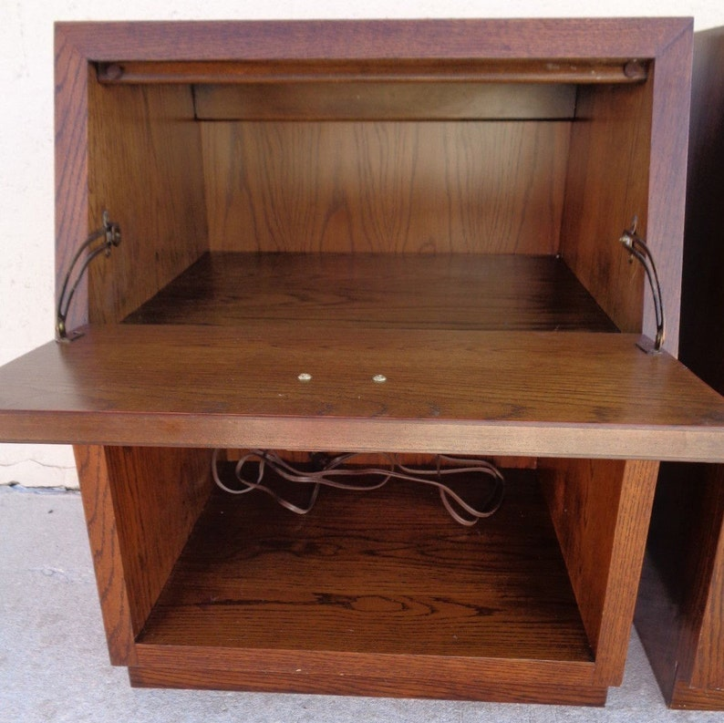 VVH Vintage Pair Henredon Scene One Nightstands Campaign End Tables Mid Century Modern Pull-Down Drawer Front Shelf Brass Hardware TLC*