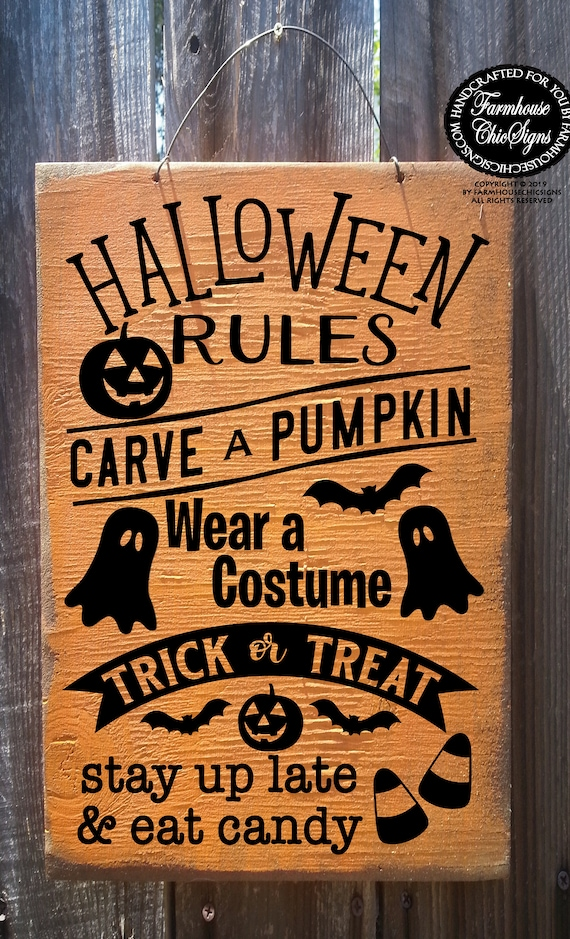 Rustic Halloween Rules Sign