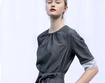 Dark gray dress, with belt and pockets