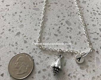SeaShell initial necklace, Seashell jewelry, beach necklace, ocean jewelry, sea necklace, beach jewelry, silver sea shell necklace
