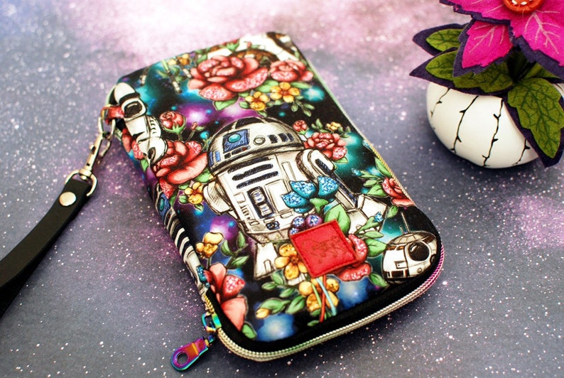 Day Trip Wallet Clutch Star Wars R2D2 Droid Backstitch Cell image 0