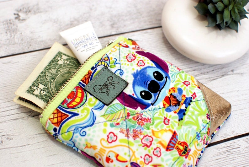 Disney Clutch Stitch Lilo Tiki Hut Small Zip Pouch Coin Loose image 0