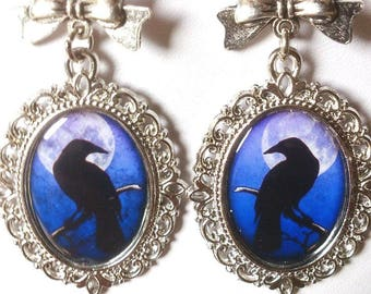 Earrings Gothic with a crow in front of the moon in blue and black