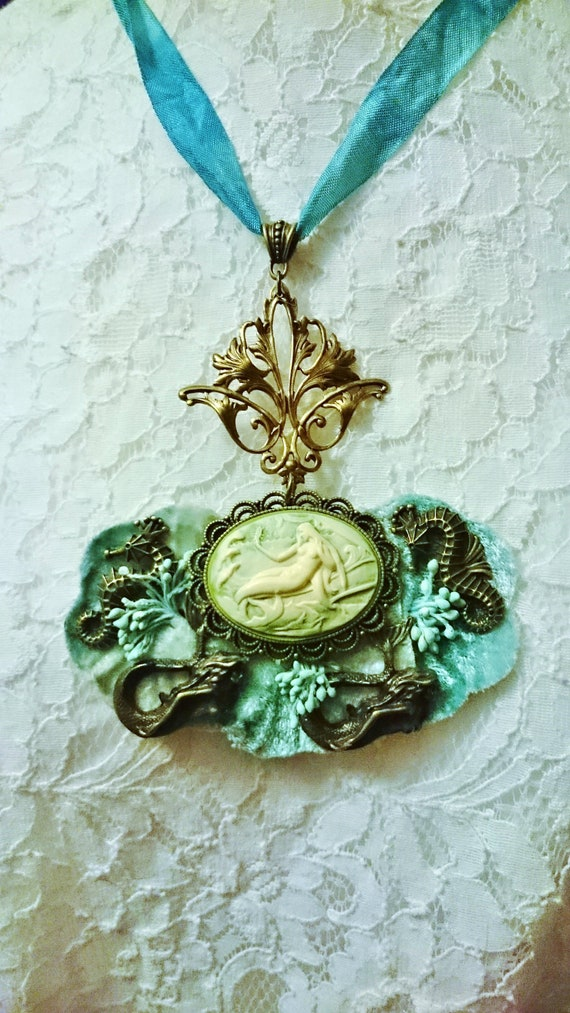 princess Amelia Morosini blue flowers Mother/'s Day necklace holidays in Greece