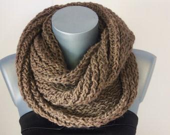 Snood en laine marron - Echarpe tube - Cache col - écharpe infinie - maxi  snood tricoté laine - écharpe oversize couleur tendance e43f59242c0