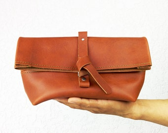 Dopp kit / Leather Shaving bag / Toiletry bag made of Horween leather, great for travel or as men's gift