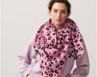 Musselin LEO pink / Double gauze with Leo pattern Leoprint, sniffer scarf, triangle scarf, scarf, neck era or for masks