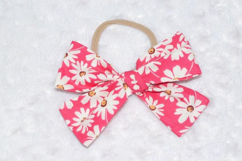 Pink Daisy Mini Bow {3 sizes} ; schoolgirl bow