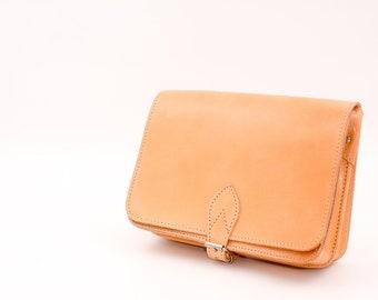 30dcc065e712 Leather saddle bag