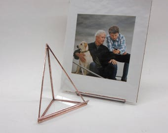Glass Photo Easel in two sizes - A handy way to show off your prints!