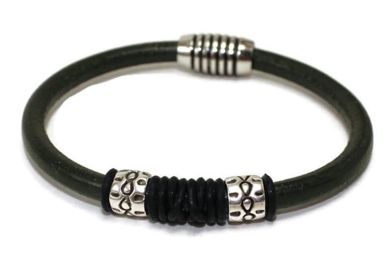 Men/'s leather bracelet green leather bracelet men/'s bracelet zamac etched barrels round leather leather jewelry magnetic clasp RLB5-11-01