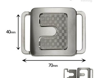 3 Front Buckle Closure 170420
