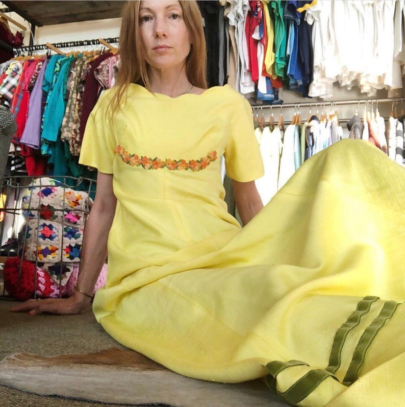 b254fca170e Vintage 60s yellow bridesmaid maxidress summer dress wedding