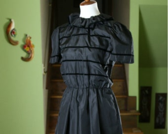 Vintage 1960s / 1970s Black Party Dress with Velvet Ribbon Pattern - Small
