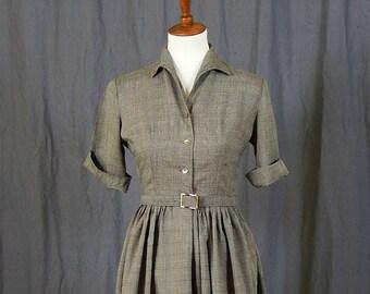 Cute 1950s / 1960s Lightweight Cotton Grey Vintage Summer Day Dress