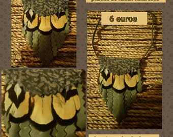 Pendant notched leather feathers