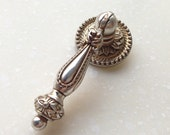 Antique Silver Dresser Drawer Pull Handles Knob Metal Drop Ring Pulls Shabby Chic Vintage Style Cabinet Handle Pull Knobs Hardware