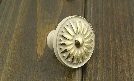 boutons cabinet poign es boutons de commode tiroir etsy. Black Bedroom Furniture Sets. Home Design Ideas