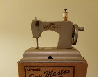 Vintage KAYanEE Corporation of America Sew Master Children's Sewing Machine Gold No 580 in Original Box Made in U.S. Zone, Germany