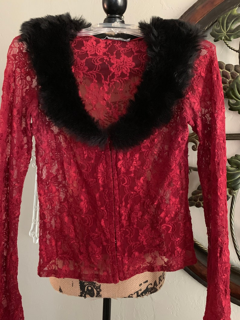 Stunning BISOU BISOU Michelle BOHBOT Sheer Floral Lace Blouse With Faux-Fur Collar