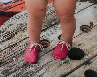 Oxfords, hot pink oxfords, laces shoes, baby shoes, crib moccs, suede, leather, lace shoes