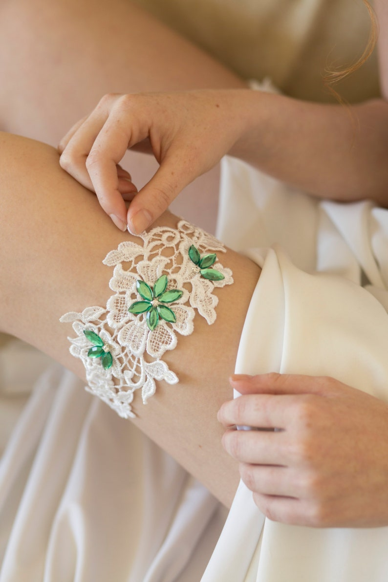 Bridal garter Green wedding garter Boho wedding garter Garter for wedding green Boho garter Garter belt wedding Lace bridal garter