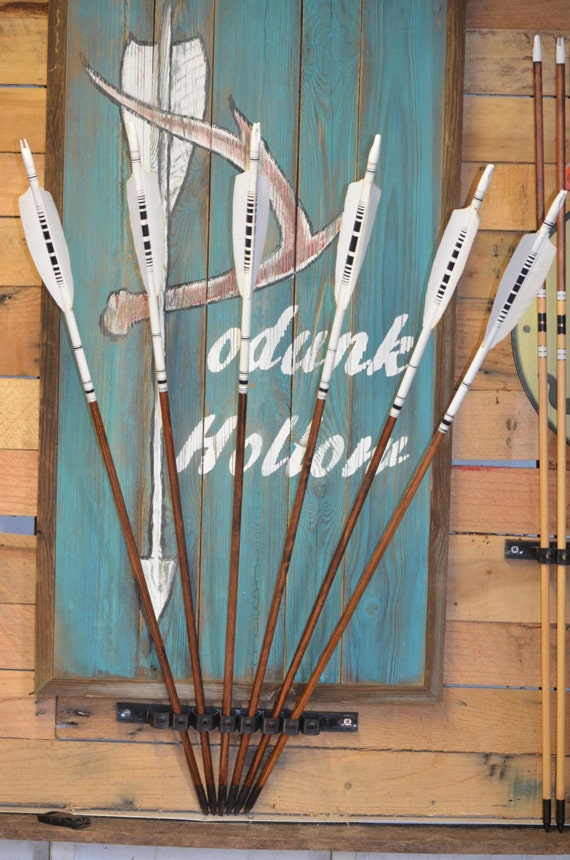 Archery arrows, set of 6 black and white arrows