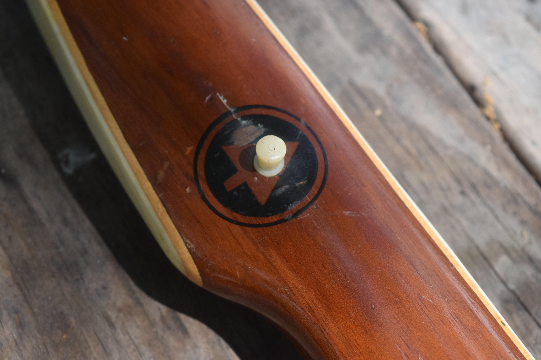 Archery Bow Vintage Ben Pearson Pony 35 Recurve Bow