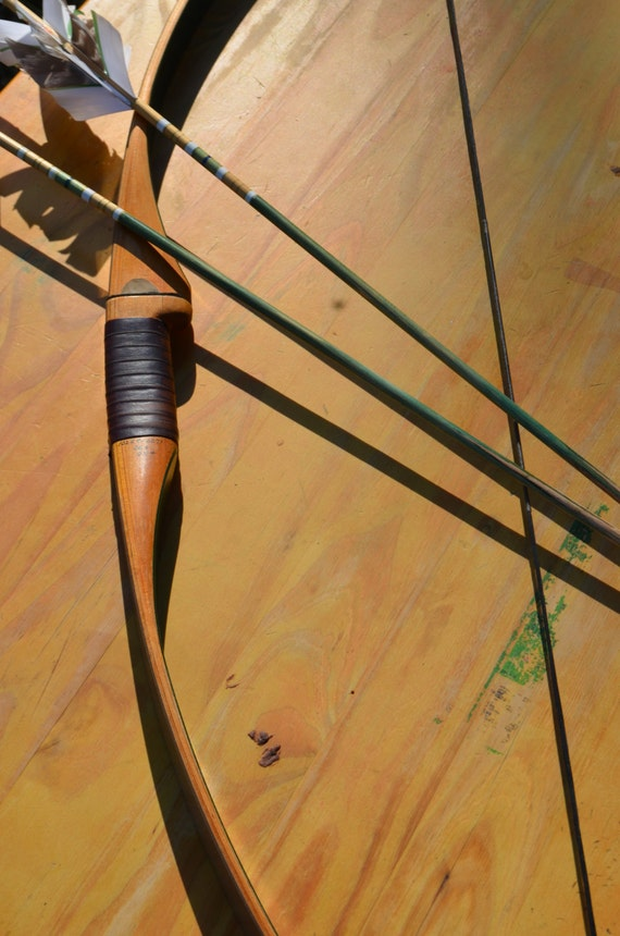 Archery Bow, Vintage Unico 55# RH recurve bow