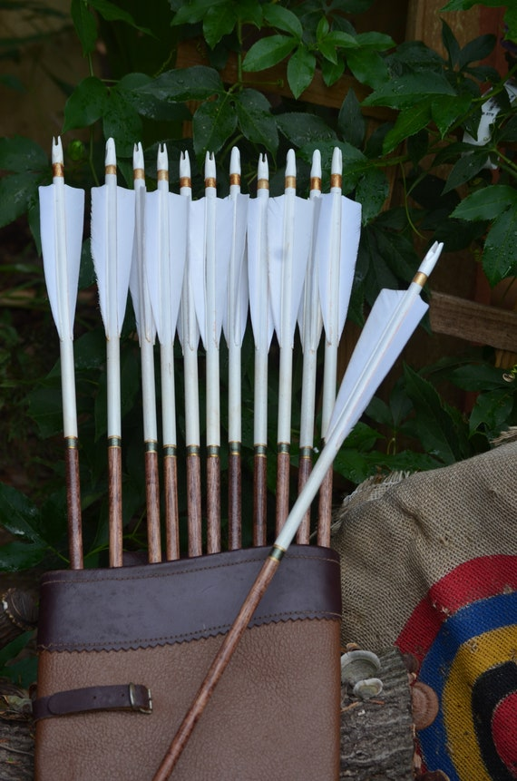 Archery arrows, Traditional wood arrows with white dip and green cresting