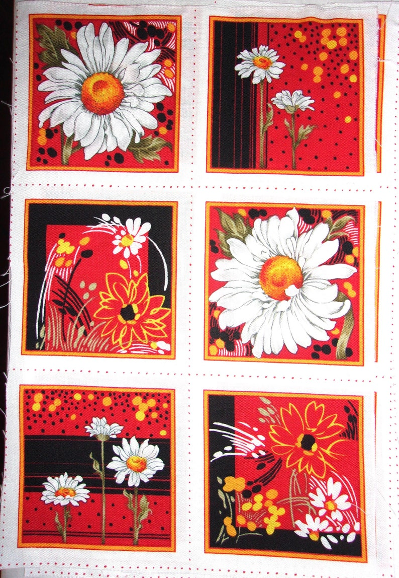 12 patchwork Marguerites white cotton fabric vignettes on a black or red background. . in 2 times 6 vignettes