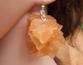 Leaf earrings, brown earrings, nature earrings, light earrings, autumn jewellery, Boho earrings, festival jewellery, cluster earrings