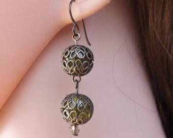 Green earrings, drop earrings, filigree earrings, antique style earrings, bronze jewellery, autumn jewellery, crackle glass earrings