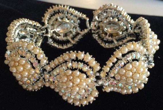 Glamorous Vintage Kramer Bracelet~Pearls/Aurora Bo